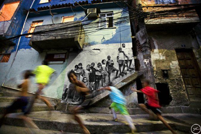 Trẻ em ởFavela Morro da Providencia, Rio de Janeiro, Brazil
