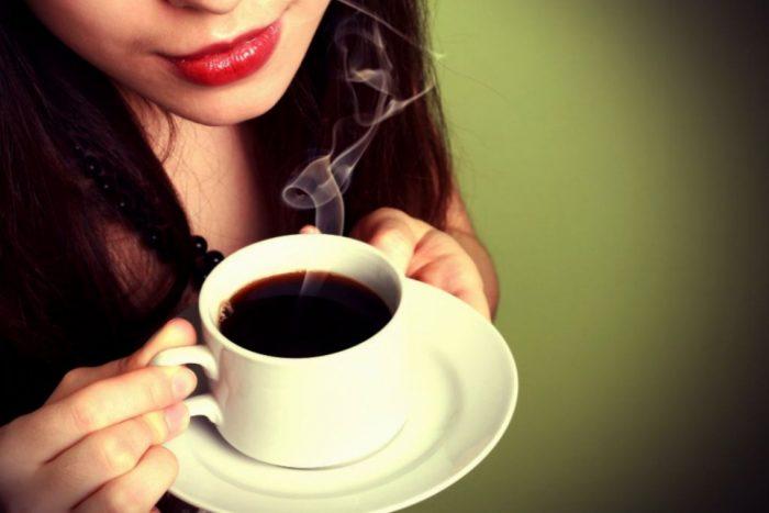 Uống cà phê thay bữa sáng