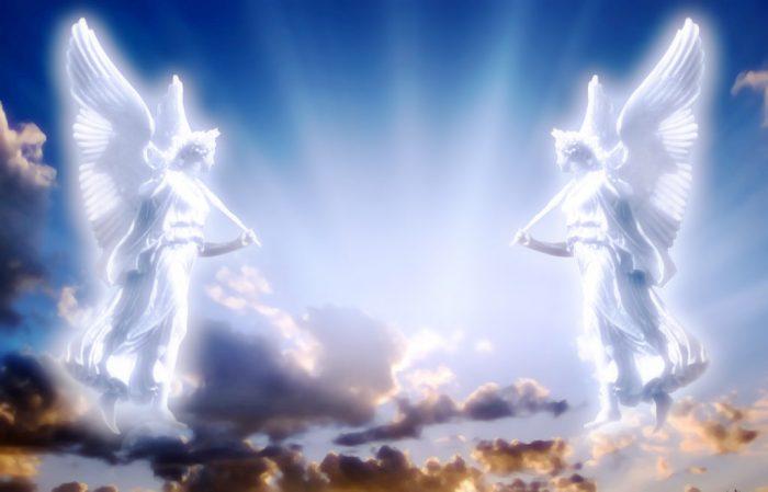 Các phi công vũ trụ Liên Xô đã khẳng định nhìn thấy vào năm 1985 những hình dáng khổng lồ của các thiên thần tươi cười trên bầu trời. Họ có đôi cánh lớn và có vầng hào quang chói lòa. (Ảnh minh họa: Mtgthuduc.net)