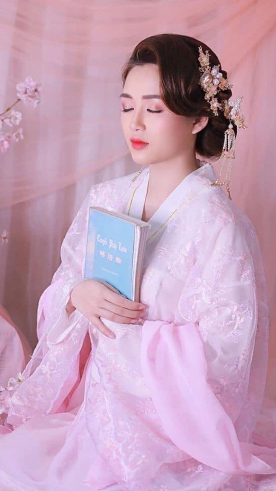 """Bàn về chữ nữ (女) và đạo """"Tam tòng tứ đức"""" của người phụ nữ truyền thống"""