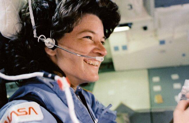 Phi hành gia Sally Ride