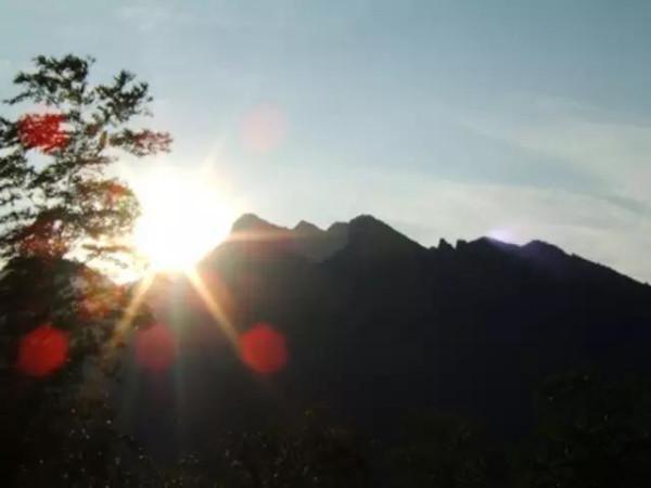 núi Cửu Hoa