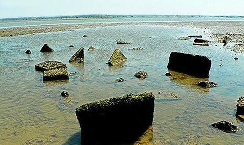 Làng chìm dưới biển ở đảo Hải Khẩu